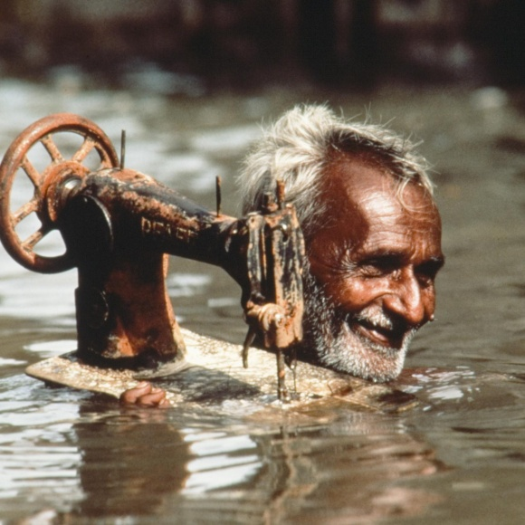 Steve McCurry - Man with sewing machine